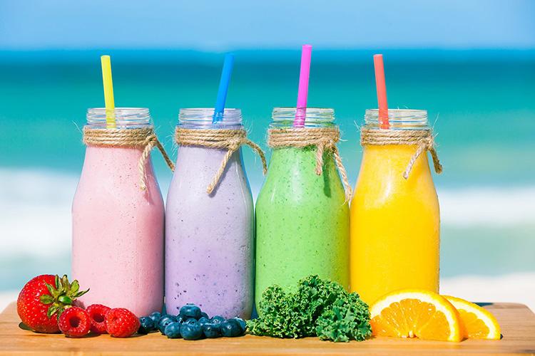 Смузи — это напиток с разными вкусами, поэтому в него можно добавить любые ингредиенты.