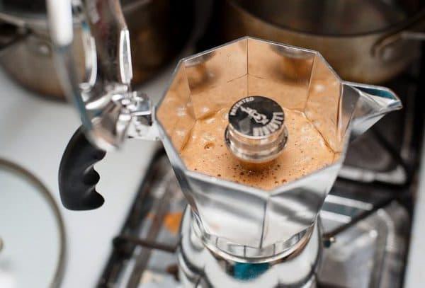 гейзерная кофеварка для индукционной плиты Moka Express