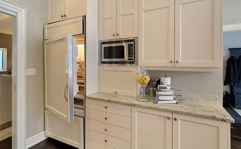 Размеры встраиваемого холодильника и критерии выбора