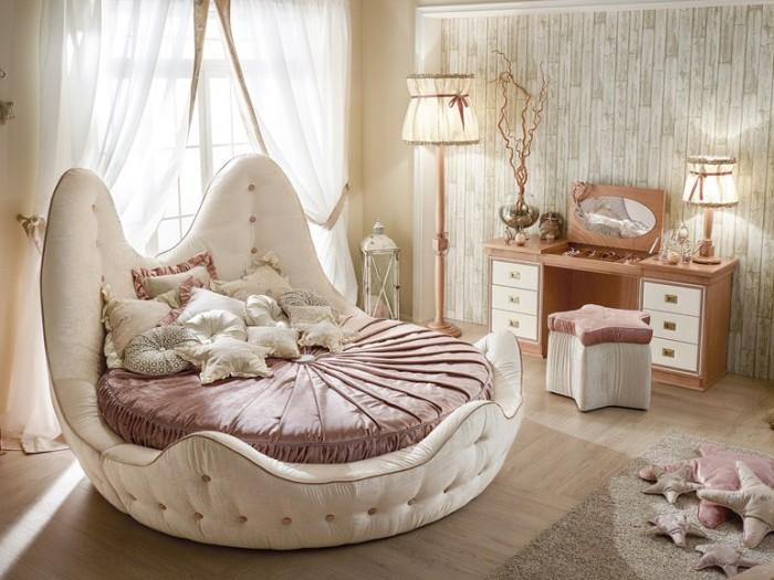 Необычная форма спального места