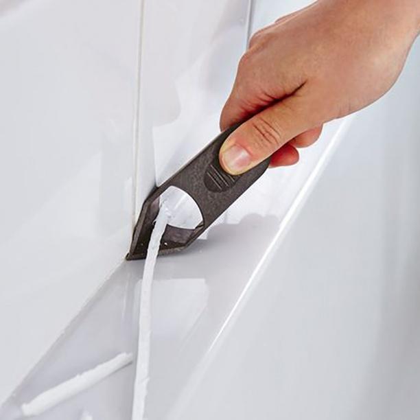 Расшивка силиконового шва специальным ножом