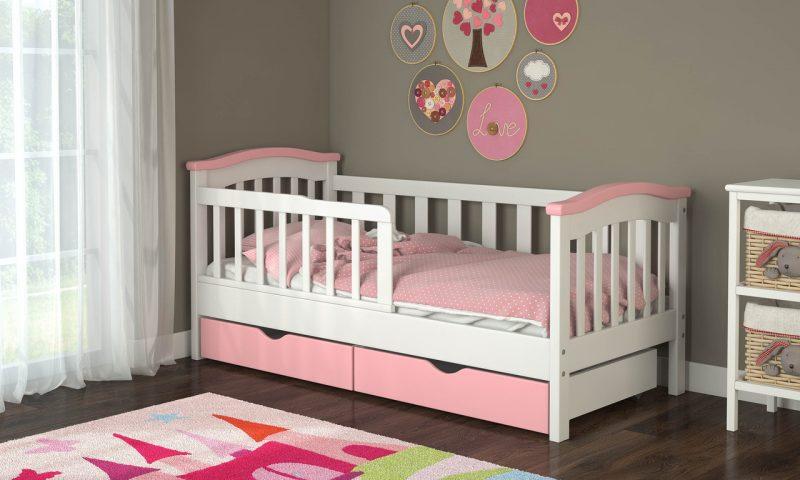 Розовые оттенки дизайна комнаты ребенка