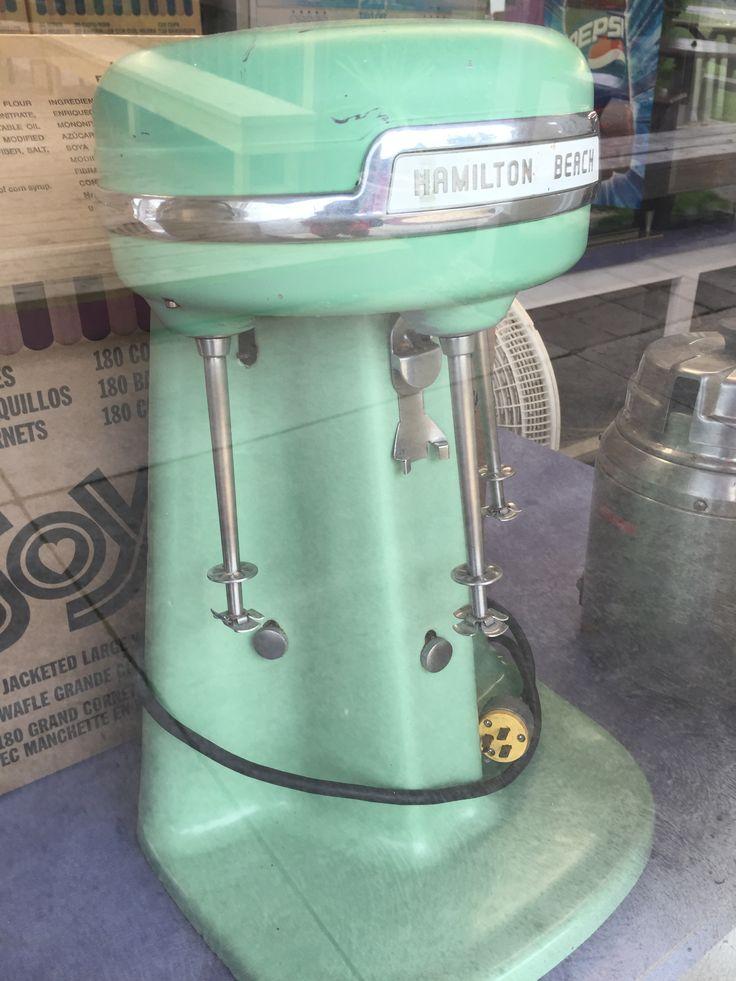 Первый блендер был изобретен для смешивания содовых напитков