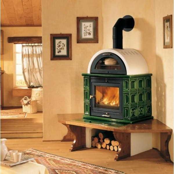 Печь камин длительного горения для дачи и дома в керамической облицовке не только смотрится хорошо, но еще об нее не обожжешься