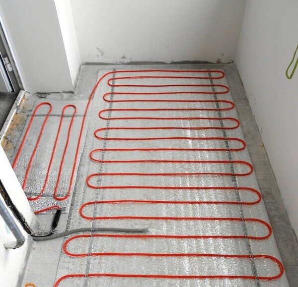 кабельный теплый пол на балконе