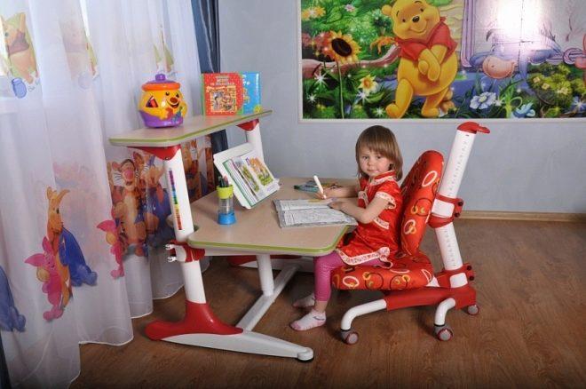 стол и стул адаптирующийся под рост ребенка