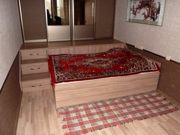 выдвижная кровать из подиума