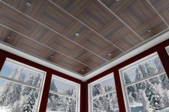 С помощью МДФ-панелей можно легко создать красивую потолочную поверхность