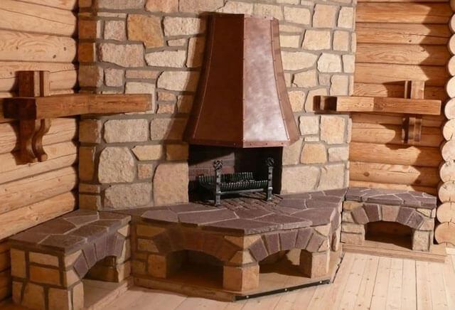 металлический камин в деревянном доме
