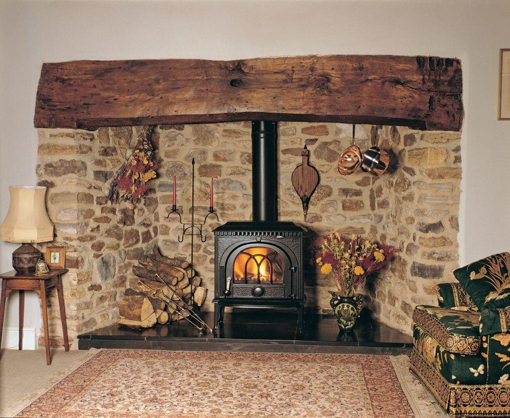 как установить камин в деревянном доме