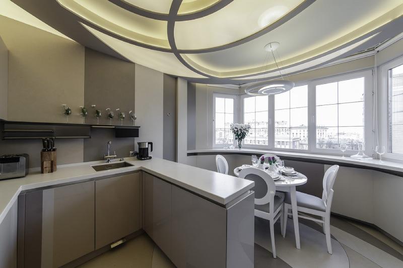 Необычный дизайн гипсокартонного потолка на кухне