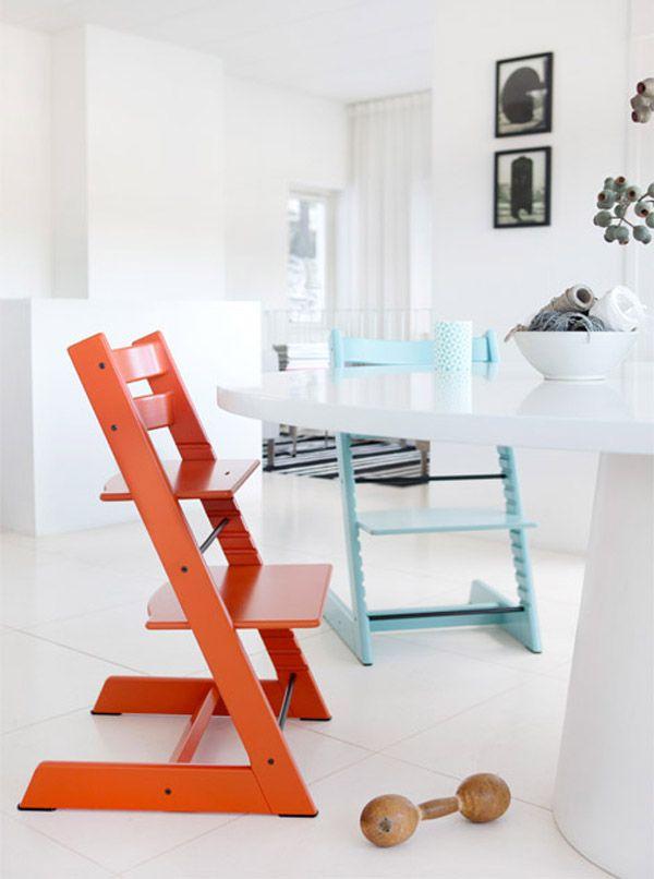 Большая площадь опоры и прорезиненые вставки на ножках стула