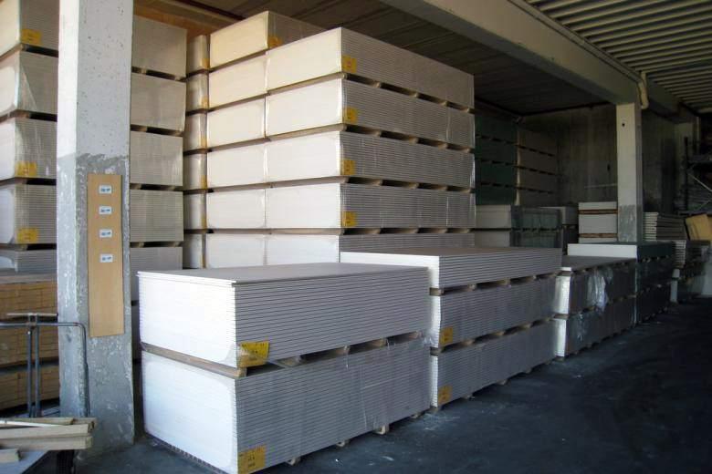 Для сохранения свойств материала и предотвращения его повреждения ГКЛ нужно правильно хранить и перемещать