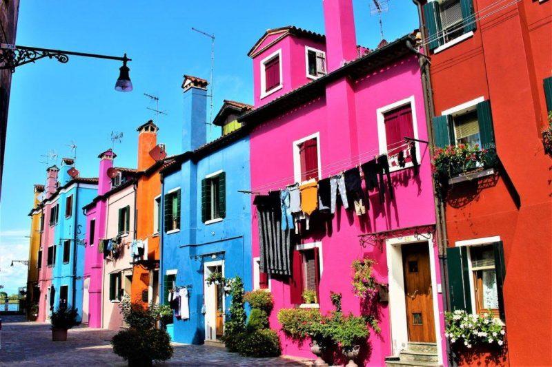 Раскрашенные фасады в Венеции, Италия