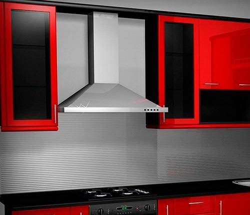 В кухне с газовой колонкой не следует использовать вытяжку во время работы колонки