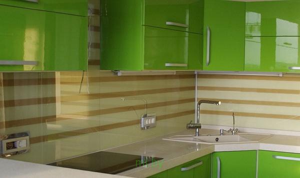Какое расстояние между нижними и верхними шкафами кухни. Фото-7