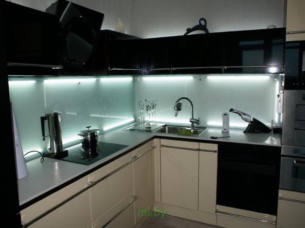 Какое расстояние между нижними и верхними шкафами кухни. Фото-9