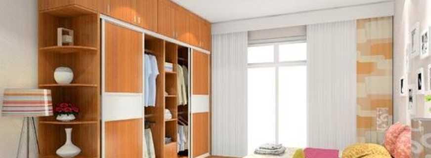 Варианты шкафов купе с антресолями, обзор моделей