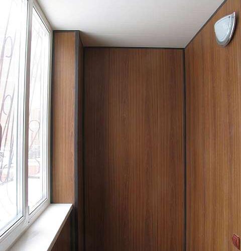 Работы по отделке балкона
