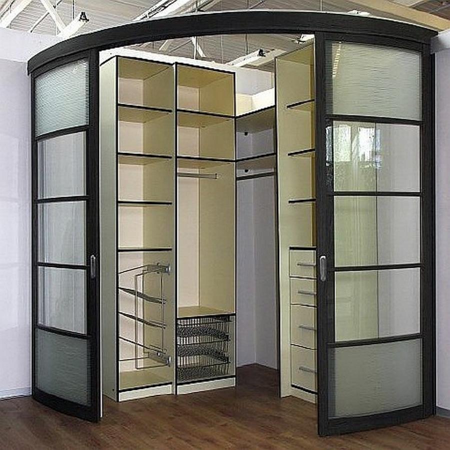 Радиусный гардеробный шкаф