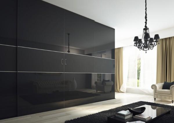 большой чёрный глянцевый шкаф купе в гостиную