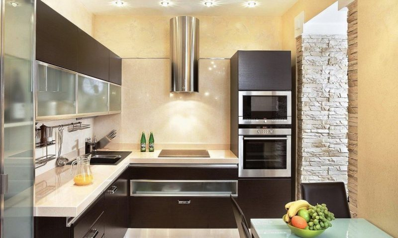 Тесная кухня гостиная без двери будет казаться просторнее
