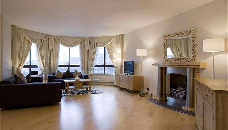 Дизайн гостиной с эркером в стиле минимализм
