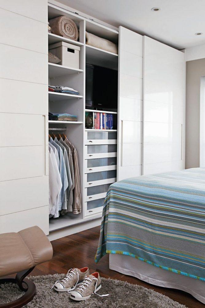 Спальный шкаф, в котором, так же, можно спрятать телевизор