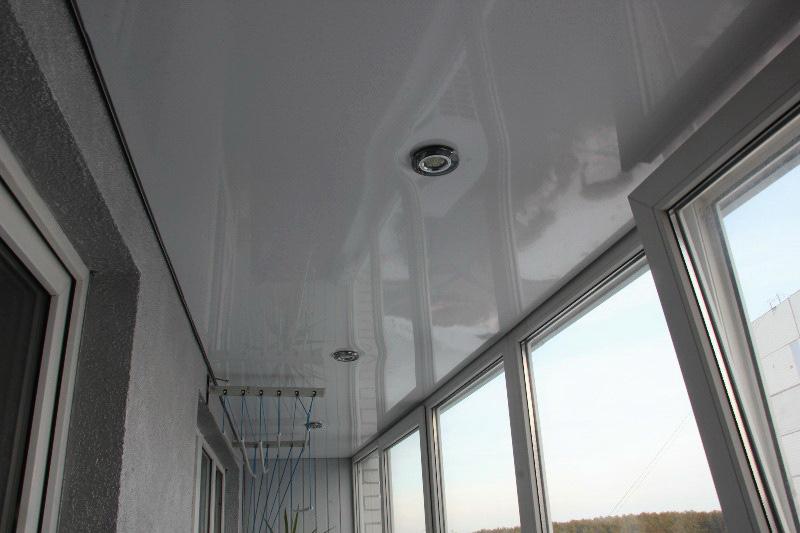потолок из натяжного полотна