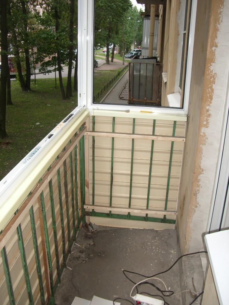 Балкон в хрущевке без отделки