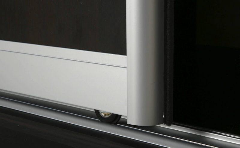 Алюминиевый профиль на шкафу-купе