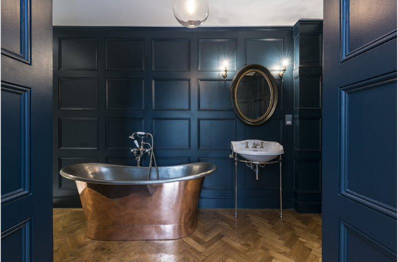 Темно-синие панели в интерьере ванной