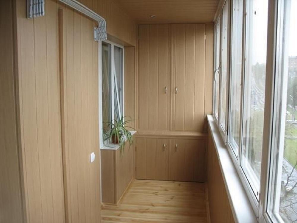 Балконный шкаф из пластика