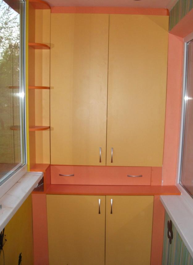Двухсекционный балконный шкаф