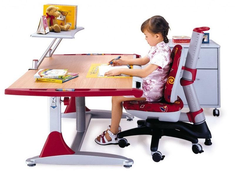 На заметку родителям дошкольника: как определиться с выбором детского ортопедического стула