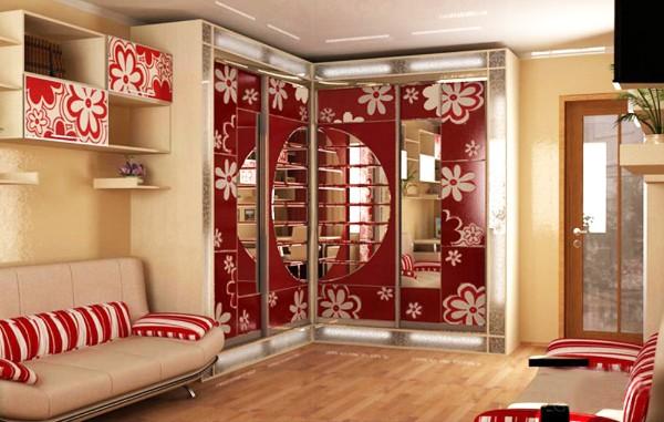 угловой шкаф купе в гостиную с ярким дизайном