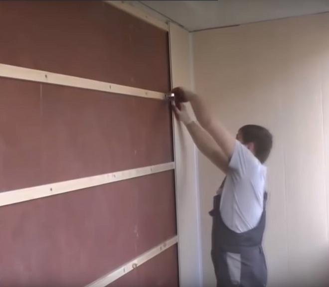 установка на внутренней стене