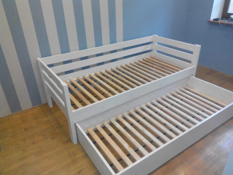 Кровать из натурального дерева детская