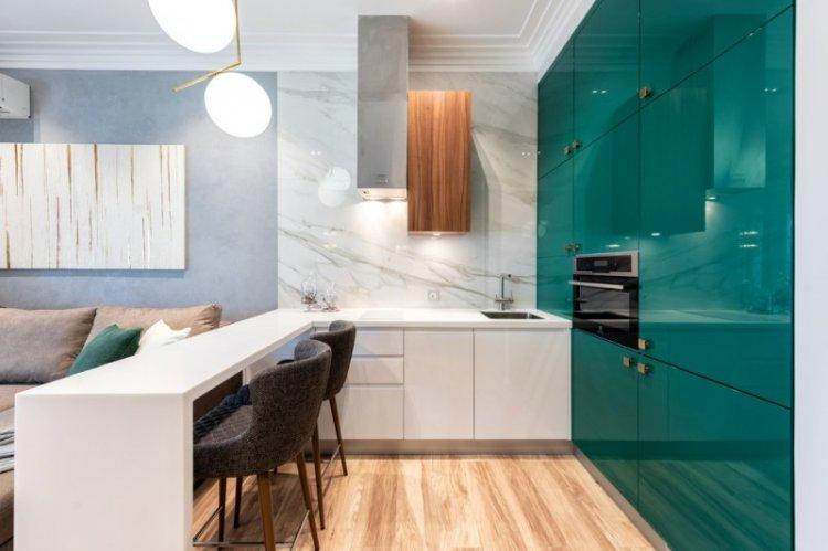 Маленькая кухня-гостиная в современном стиле - Дизайн интерьера