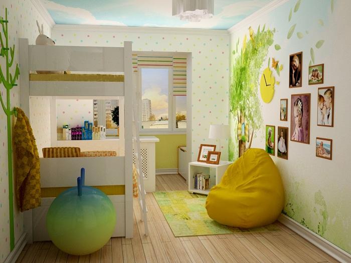 В увеличенной, благодаря объединению с лоджией, детской стало больше пространства для игр.