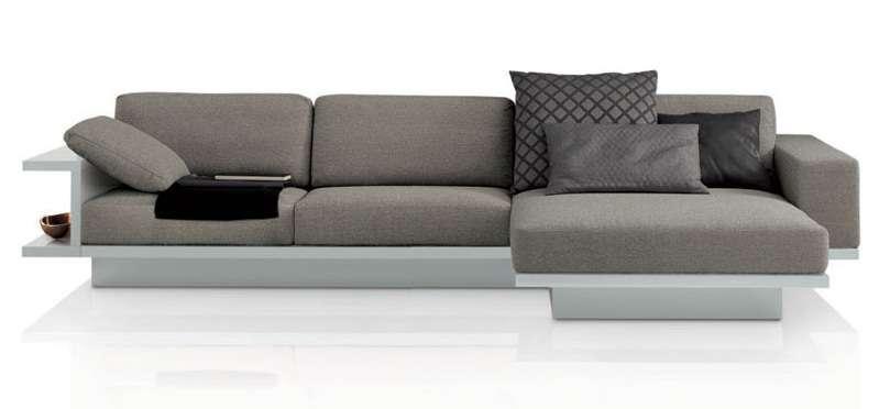 модульный диван в интерьере небольшой гостиной