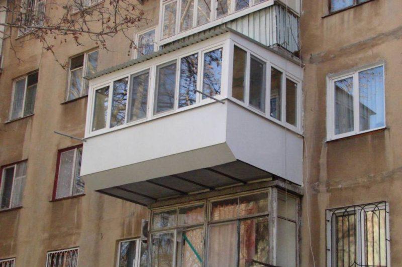 Расширенный балкон по плите с передним выносом
