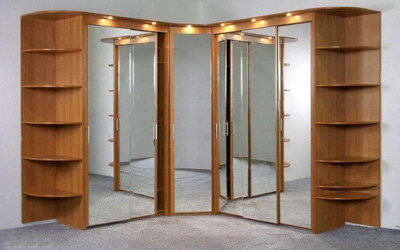 угловой шкаф-купе с зеркалами и подсветкой