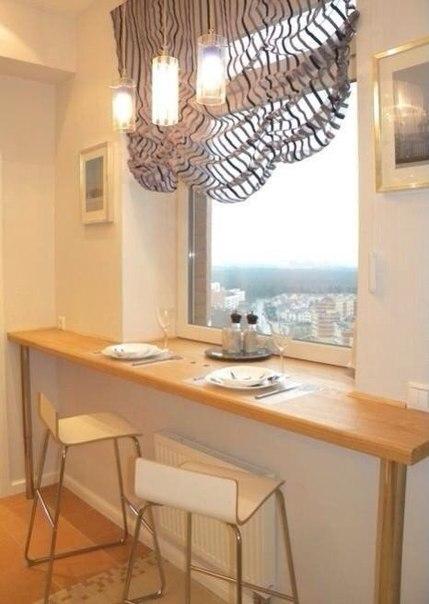 стол подоконник в детской фото 9