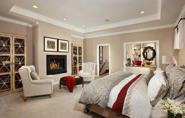 Замечательное оформление спальни с камином