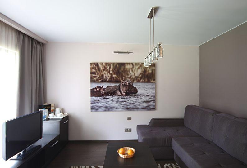Матовый натяжной потолок в интерьере гостиной