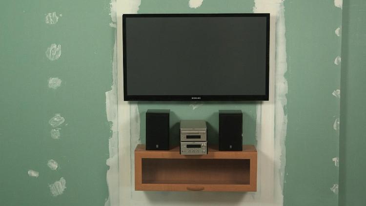 Расположение телевизора на гипсокартонной стене